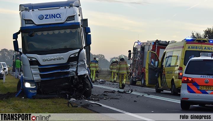 Dode bij aanrijding auto en vrachtwagen op N36 [+foto]