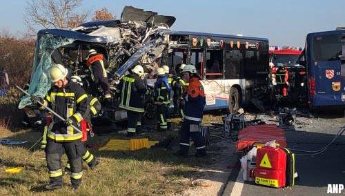 Zeker 40 gewonden door busongeval Duitsland [+foto's]