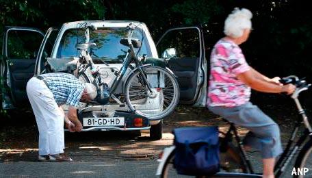 Steeds meer ouderen achter het stuur