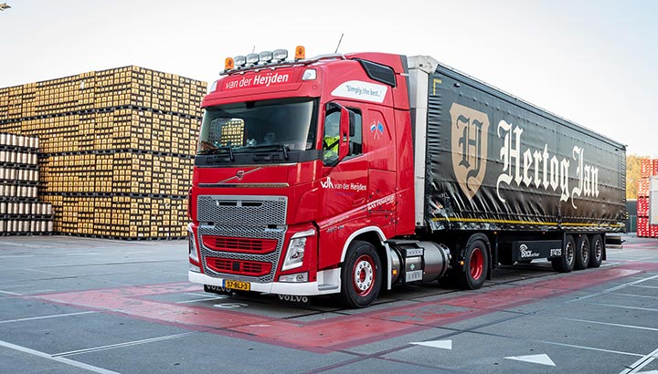 Twee Volvo LNG-trekkers voor Van der Heijden Transport & Logistiek