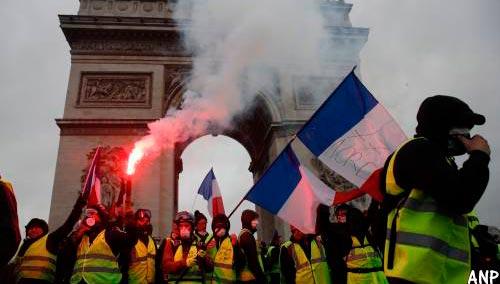 Franse regering stelt verhoging brandstof uit