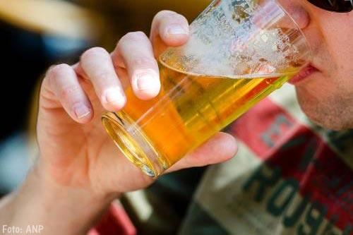 Kabinet pakt overmatig alcoholgebruik aan