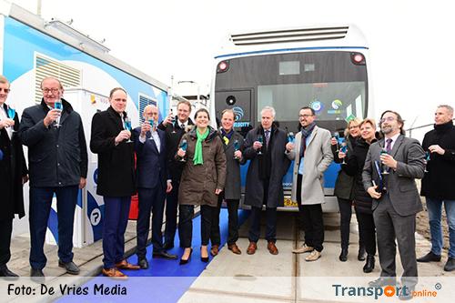 Eerste waterstoftankstation in Noord-Nederland geopend