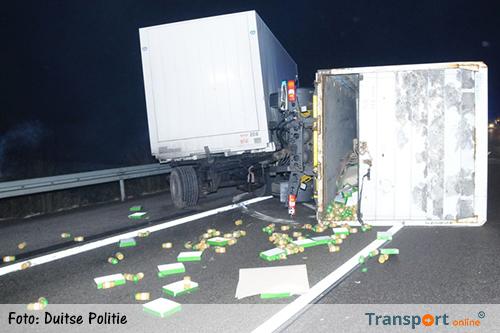 Duitse A45 dicht door gekantelde truck met appelmoes [+foto]
