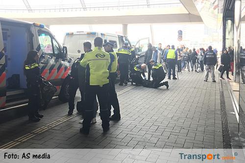 Politie zet Thalys-trein stil en verricht meerdere arrestaties op Amsterdam CS [+foto]