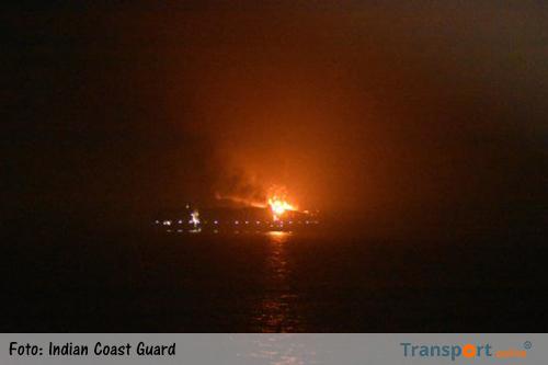 Grote brand op containerschip de Maersk Honam: vier vermisten [+foto's]