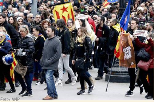 Catalanen straat op na arrestatie Carles Puigdemont