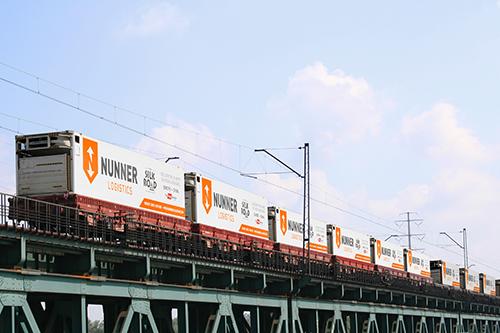 Eerste directe containertrein tussen Amsterdam en Chinese Oostkust vertrekt vandaag over historische route