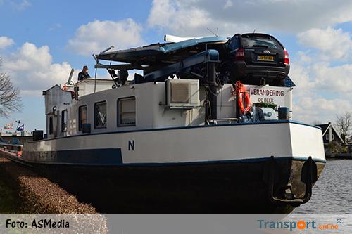 Binnenvaartschip ramt Máximabrug in Alphen aan den Rijn  [+foto]