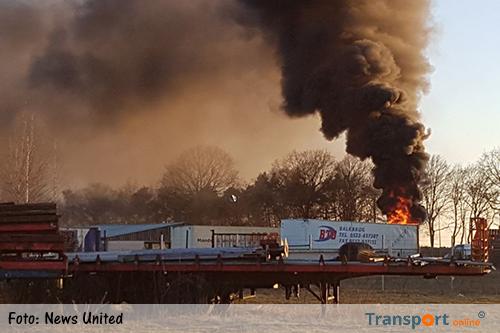 Geparkeerde trailer in brand in Geesteren [+foto]