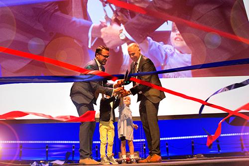 Nieuwbouw E. van Wijk Logistics feestelijk geopend
