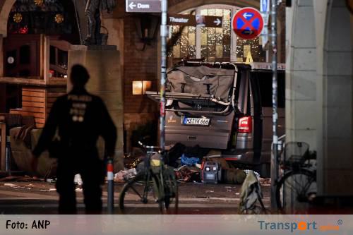 Politie sleept kampeerbusje Münster weg