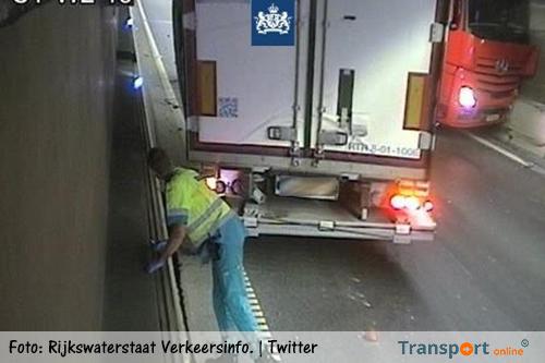Coentunnel, dicht na geschaarde vrachtwagen in de tunnel [+foto's]