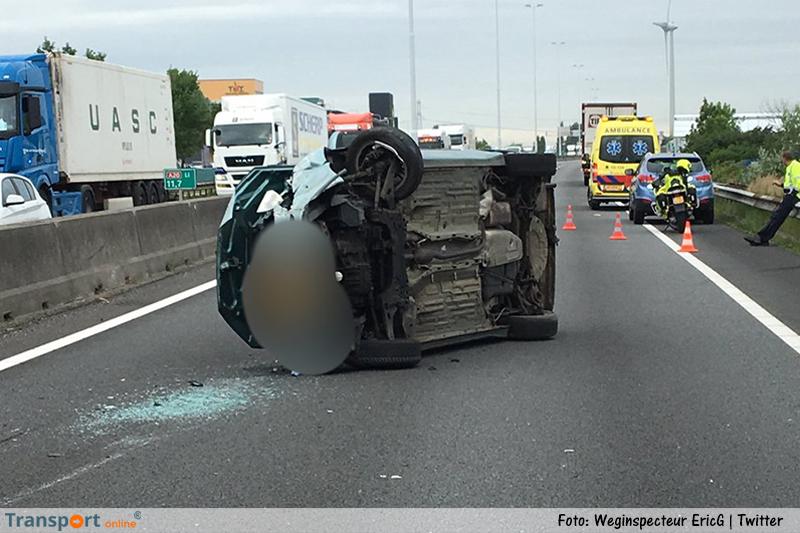 Aanrijding vrachtwagen en auto op de A20 [+foto's]