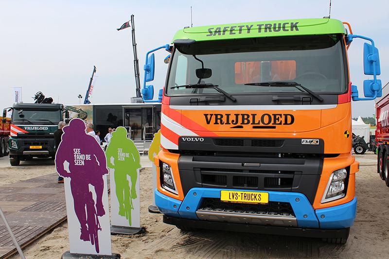 Opvallende Volvo FMX Safety Trucks voor Vrijbloed Transport