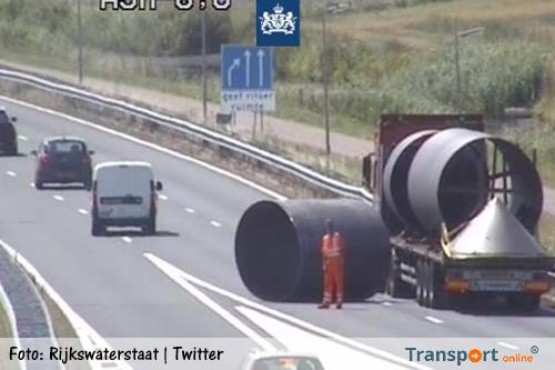 Verbindingswegen A9 naar A5 afgesloten na afgevallen lading