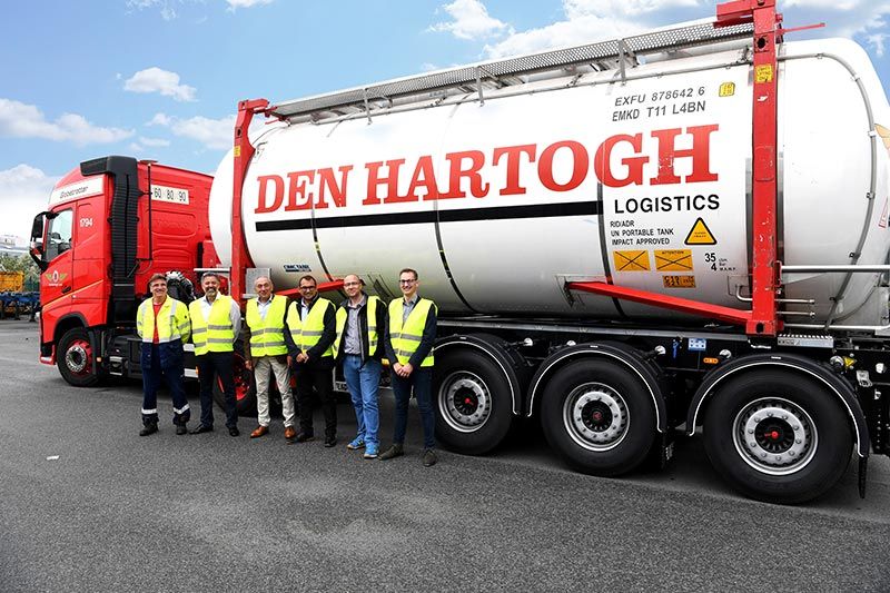 143 lichtgewicht ADR-chassis voor Den Hartogh Logistics