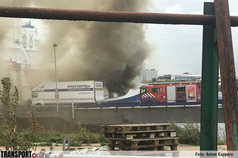 Grote brand op schip in haven van Harlingen [+foto's&video]