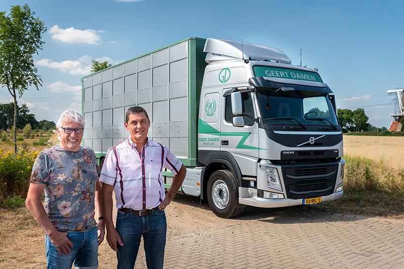 Nieuwe Volvo FM voor 90-jarige Geert Damen Veetransport