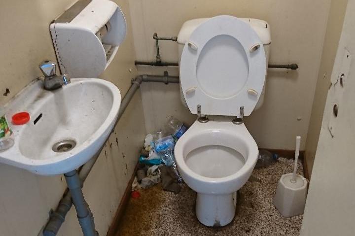 Ook in Nederland weigeren bedrijven vrachtwagenchauffeurs toegang tot toilet