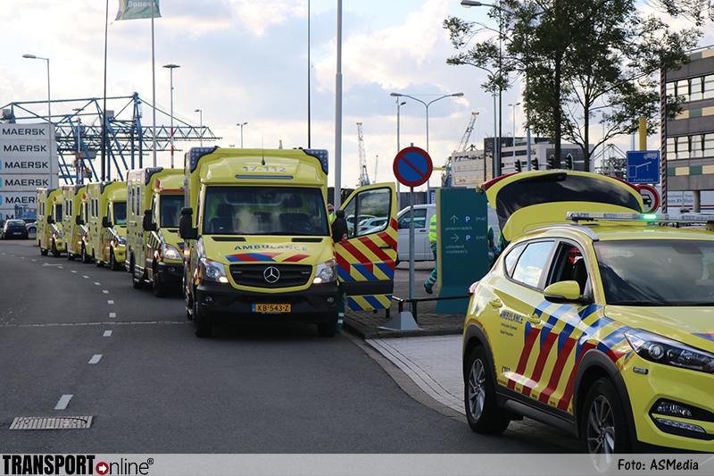 18 personen gevonden na grote zoekactie naar container met mensen in Rotterdamse Waalhaven [+foto's&video]