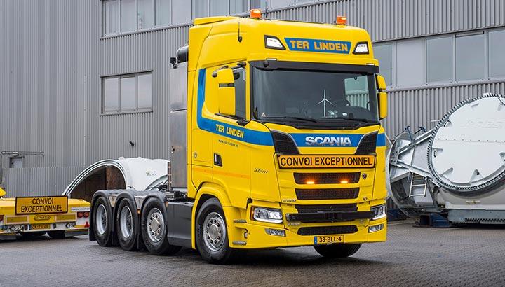 Ter Linden koopt twee Scania 8x4 V8 trekkers