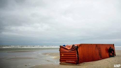 'Aanspoelen containerafval valt mee' [+foto's]