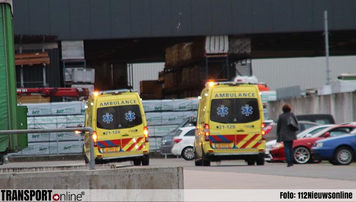 Man overleden na beknelling tijdens laden en lossen in Veghel [+foto]