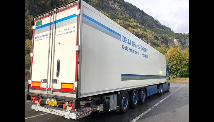 Nieuwe Wezenberg Krone polyester trailer voor Deij Transport