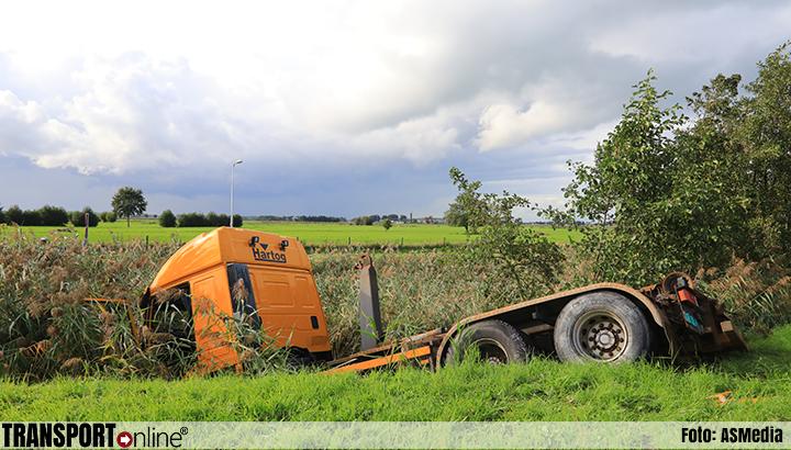 Vrachtwagen in de sloot langs N199 [+foto]