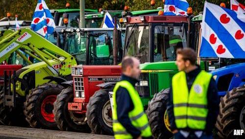 Boeren voeren actie op Afsluitdijk [+video]