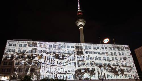 NAVO herdenkt val van Berlijnse muur