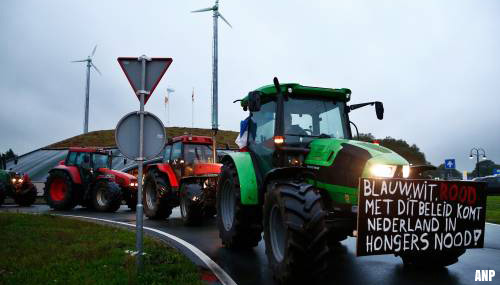 Acties boeren op op- en afritten door heel het land