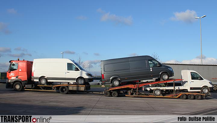 Dronken vrachtwagenchauffeur rijdt met autotransporter al slingerend over de Duitse A2 [+foto]