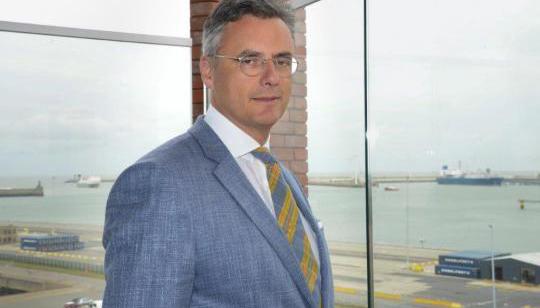 Bestuurder Joachim Coens van Port of Zeebrugge gaat de Belgische politiek in