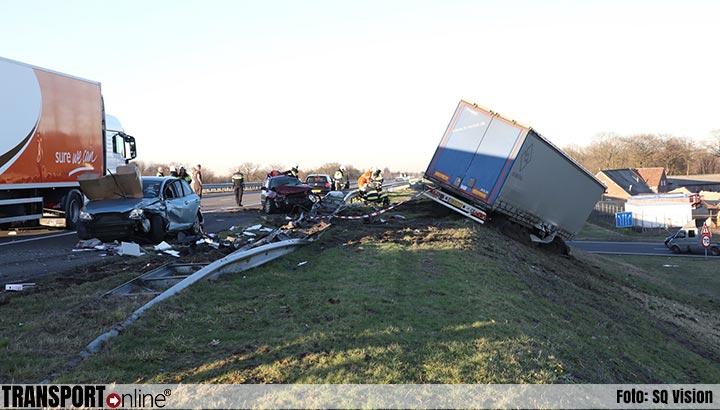 A50 nog lang dicht na ongevallen: zes gewonden [+foto]