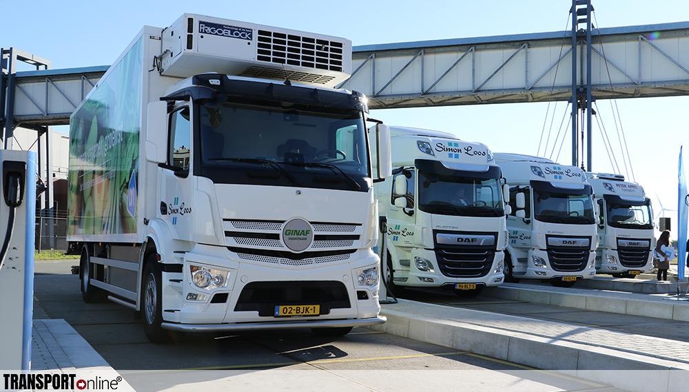 DAF, Simon Loos, Peter Appel Transport en TNO partners van AH bij rijden met elektrische trucks
