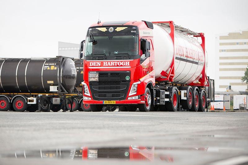 MOLCT neemt belang in Den Hartogh Logistics