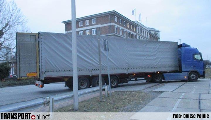 Duitse politie haalt gevaarlijke vrachtwagen van de weg [+foto's]