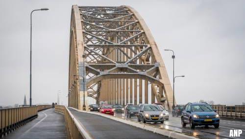 Renovatie Waalbrug vandaag van start
