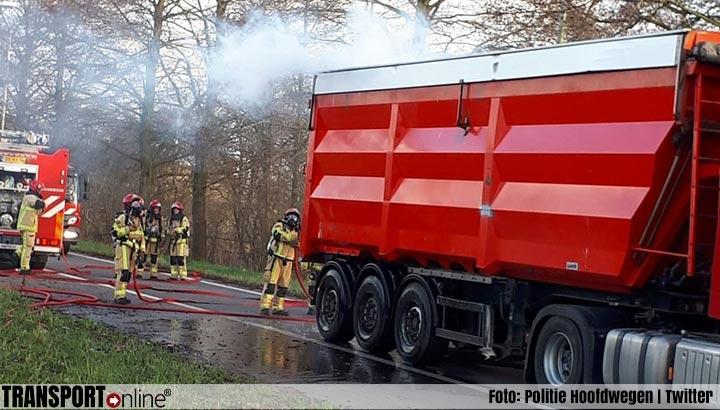 Weggebruikers voorkomen grote vrachtwagenbrand [+foto's]