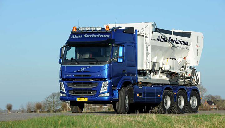 Nieuwe Volvo FM420 8x4 voor Alma Surhuizum