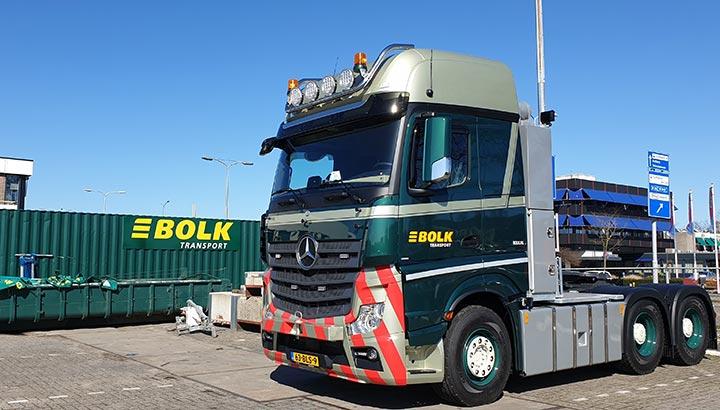 Eerste Actros trucks uit order van negen voor Bolk Transport