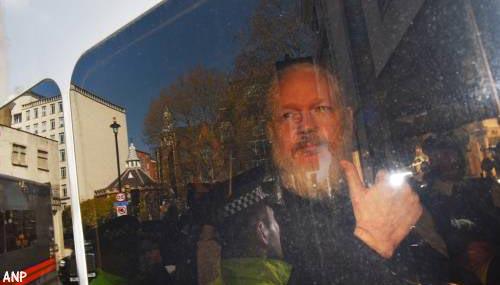 Assange schuldig aan schenden voorwaarden borg