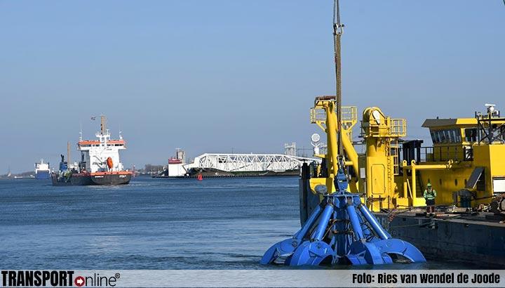 Berging scheepswrak ss Chryssi gestart in Nieuwe Waterweg