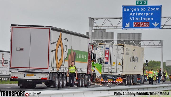 Ongeval met vrachtwagens op A4 [+foto's]