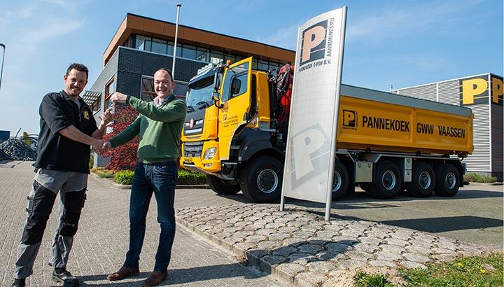 Garagebedrijf Pals levert eerste Tatra aan de buren
