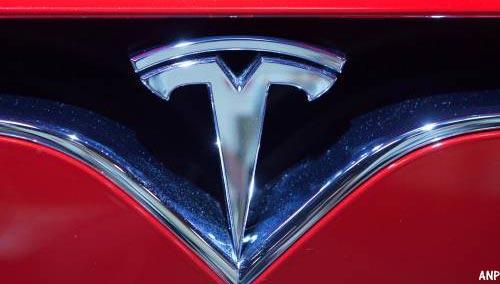 'Tesla heeft volgend jaar zelfrijdende taxi's'