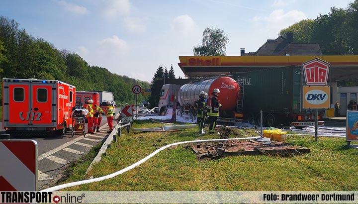 Ernstig ongeval op Duitse B1 bij tankstation [+foto's]