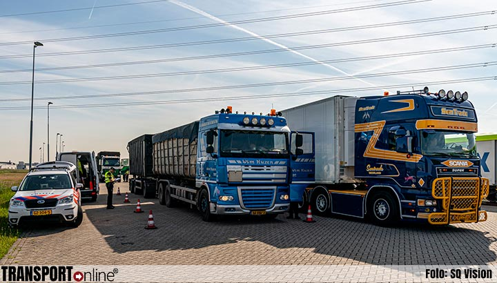 Grote transportcontrole in Moerdijk [+foto]